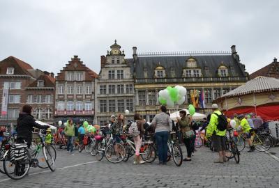 Feest van Wapi per fiets